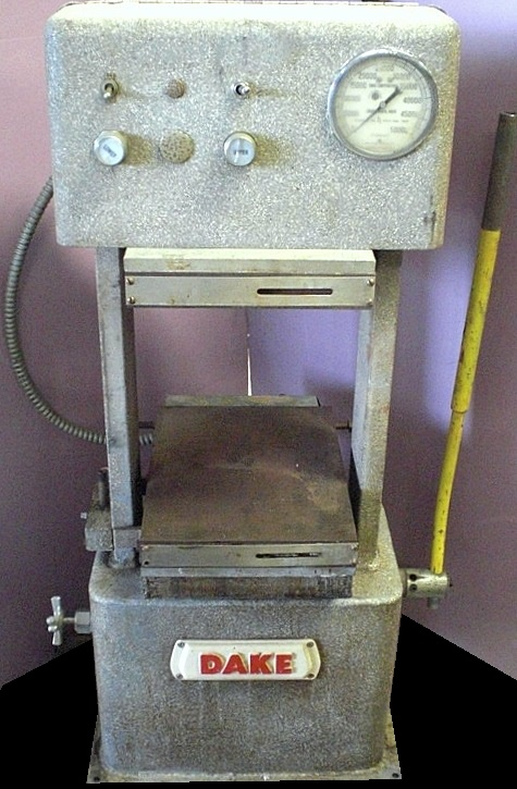 25 TON DAKE LAB PRESS A